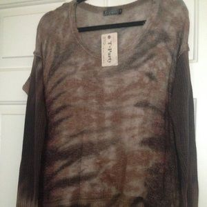 NWT beautiful Tunic/Top from T-Party Fashion.